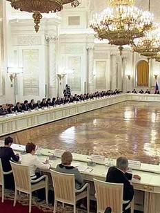 Путин назвал проблемой обучение национальным языкам за счет русского