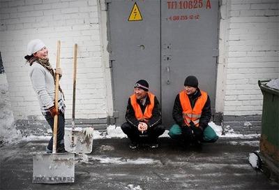 В Москве дворники из Таджикистана отказались убирать снег и объявили забастовку