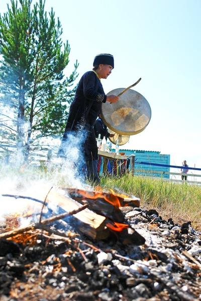 Вокруг закрытого на карантин села в Бурятии прокопали два рва