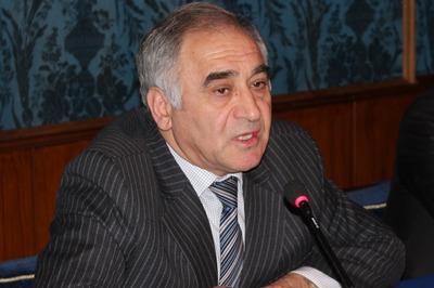 Экс-президент ФНКА АзерРос заявил о попытке рейдерского захвата организации