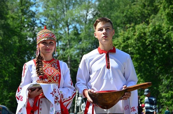 Свердловские чуваши отпраздновали Акатуй вместе с езидами