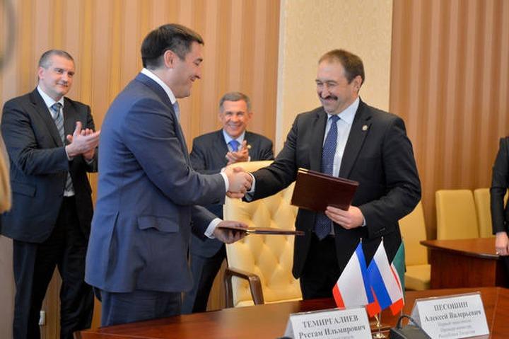 """Эксперт: Российские власти используют татар на Украине как """"мягкую силу"""""""