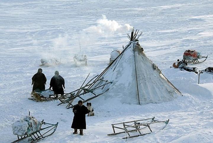 Ямальские оленеводы пригласили чиновников в чум для разговора