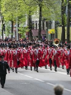 Пять тысяч казаков вышли на парад в Краснодаре