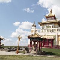 Буддийский мир России — центр столицы Калмыкии Элисты