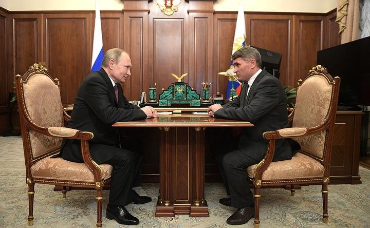 """Путин отправил в отставку главу национальной республики """"в связи с утратой доверия"""""""
