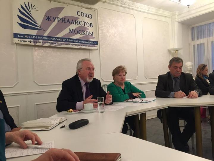 Гусев: Национализм в соцсетях процветает из-за политики властей в отношении официальных СМИ