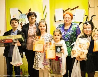 На Елке дружбы рязанские дети рассказали о войне и узнали о космическом добре