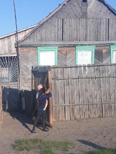 Цыгане обвинили жителей Чемодановки в разграблении их домов