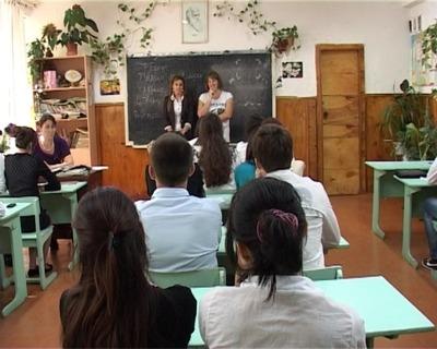 В Дагестан позовут работать 50 учителей русского языка