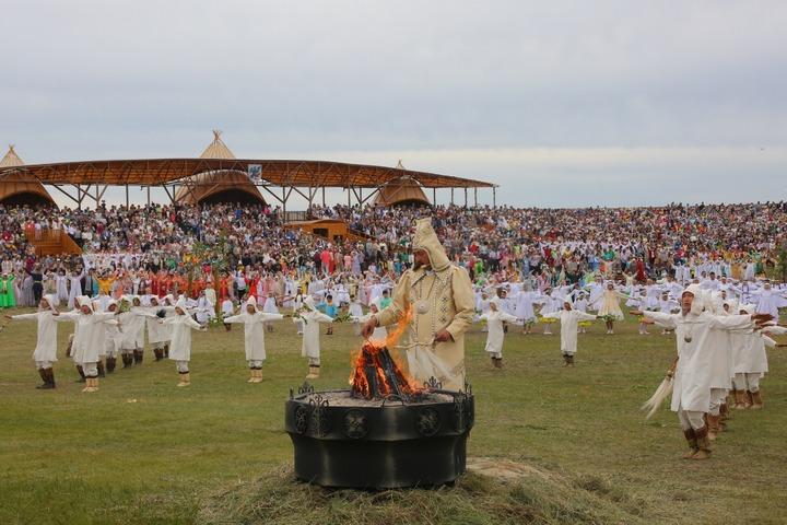 Более 180 тысяч человек отпраздновали Ысыах в Якутске