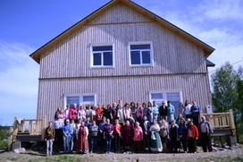 В Ведлозере прошел выпускной бал слушателей курсов карельского языка