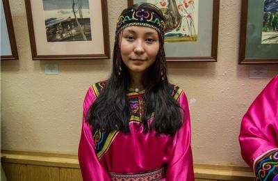 Традиционные наряды удэгейцев представили на выставке во Владивостоке
