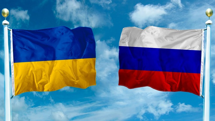 Опрос: Большинство россиян считают украинцев братским народом