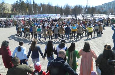 Более тысячи человек станцевали осоухай в День Якутии