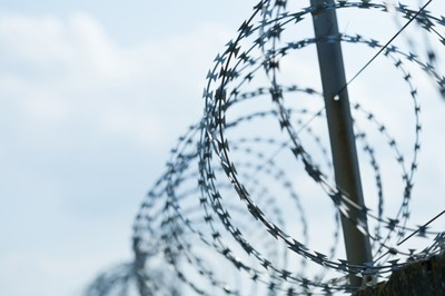 Правительство предложило следить за экстремистами после освобождения