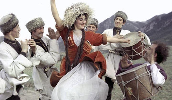 Полиция Пятигорска задержала стрелявших в воздух танцоров лезгинки