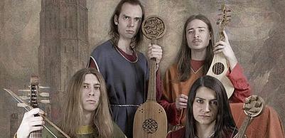 Кузнечный фестиваль объединил азербайджанские ножи, японские мечи и европейскую средневековую музыку