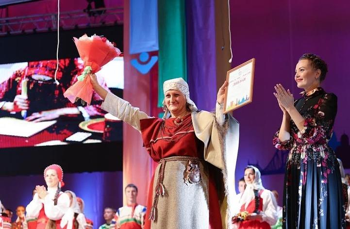 Пятнадцать коллективов получат по 100 тысяч рублей за развитие народного творчества
