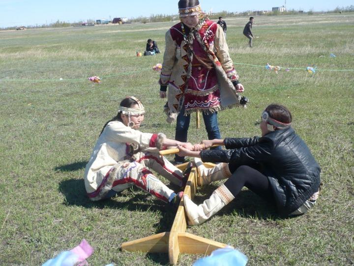 """В Якутии встретили весну и отметили праздник народов севера """"Цветение тундры"""""""