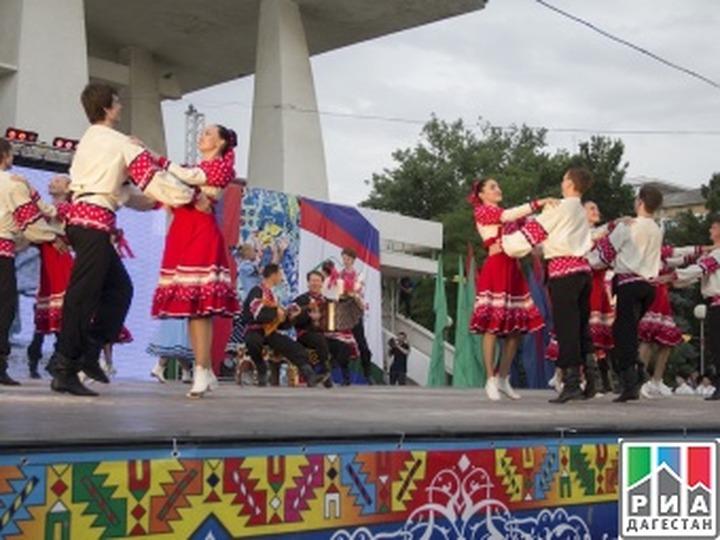 """Фестиваль """"Кавказ – единая семья"""" завершился в Дагестане"""