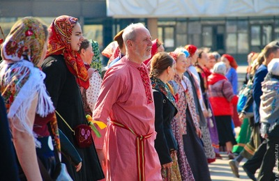 Современную версию русских косовороток покажут на фестивале в Свердловской области