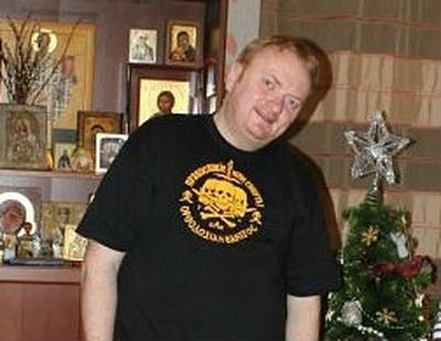 Член Совфеда требует проверить на экстремизм Милонова из-за футболки