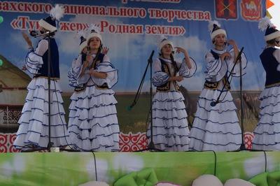 "С казахского праздника ""Туган жер"" борцы-победители увезли по барану"