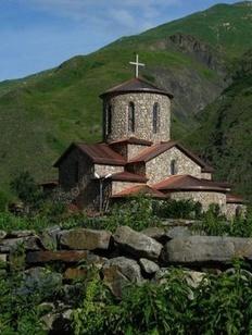 """""""Кто принял христианство, тот перестал быть осетином"""": Православные осетины пожаловались на притеснения в республике"""