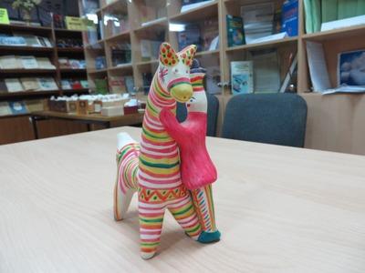 Подарки из Тулы: филимоновская игрушка и белевское кружево