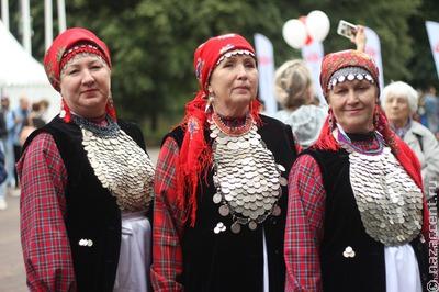 Удмурты Марий Эл показали жителям региона национальные песни и танцы