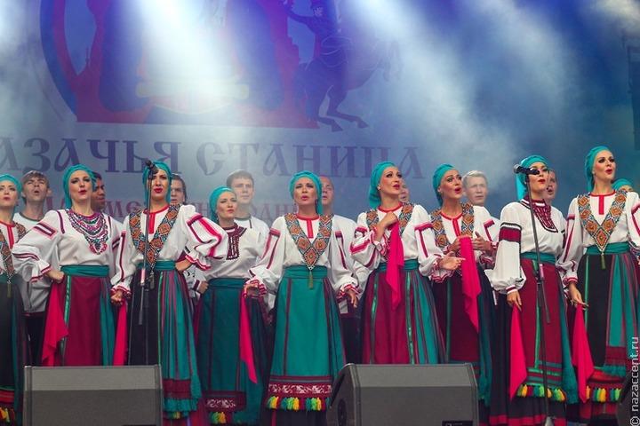 Глава Кубани заявил о победе казачьих песен над валентинками и хэллоуинками