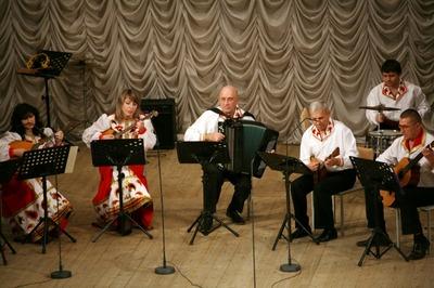 В Петрозаводске завершился конкурс ансамблей и оркестров народных инструментов