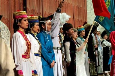 Певец выиграл миллион рублей за исполнение калмыцкой народной песни