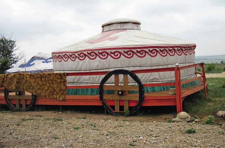 В Калмыкии началось строительство этнографического хотона