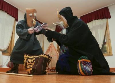 Сургутские ханты и манси принесли бескровную жертву