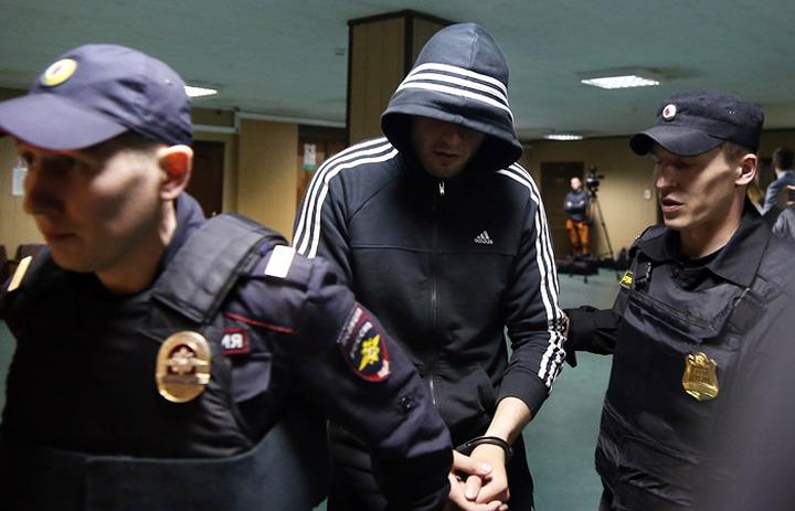 Адвокаты требуют признать потерпевшими обвиняемых в драке на Хованском
