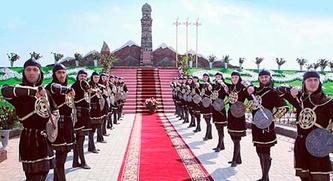 Кадыров открыл памятник женщинам-героиням войны с Россией