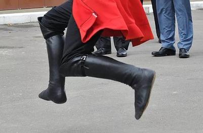В Геленджике полицейские и казаки задержали четырех парней за лезгинку (ВИДЕО)
