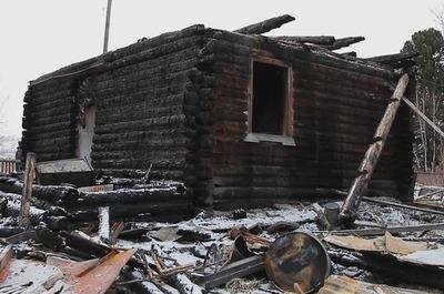 В шорском поселке Казас загорелся еще один дом