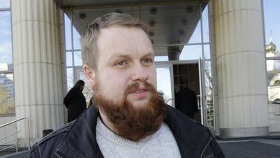 Суд над Демушкиным перенесли на 26 июня из-за неявки адвоката