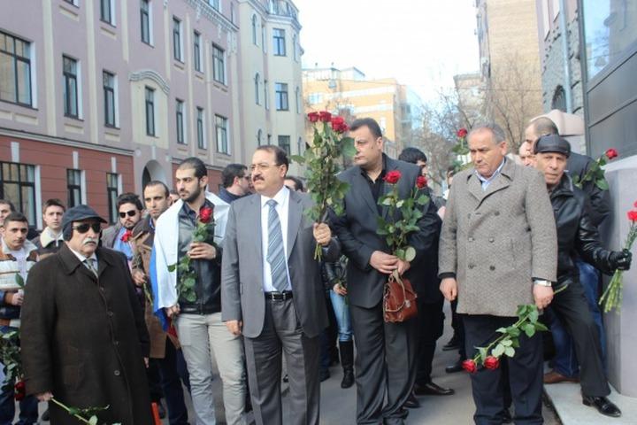 Российские армяне провели в Москве акции в поддержку соотечественников в Кесабе