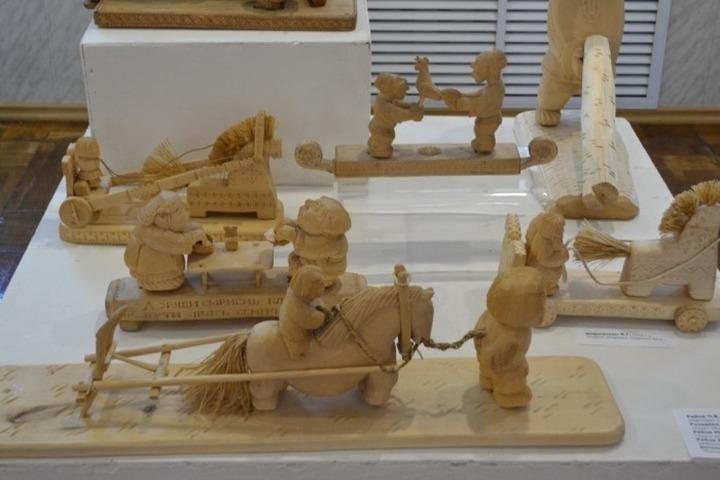 Выставка в Саранске познакомит с мордовскими узорами и барабанами