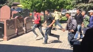 Семерых участников беспорядков на Хованском кладбище выдворили из страны