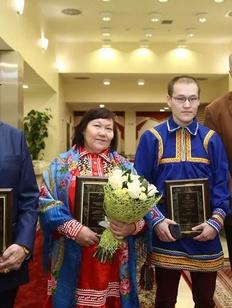 Автора книги о семье хантов в годы войны наградили премией губернатора Ямала