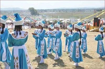 """Детский фольклорный праздник """"Тун пайрам"""" прошёл в Хакассии"""