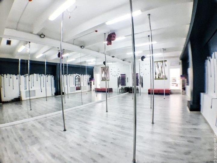 В Казани открылась первая школа танцев на пилоне для мусульманок