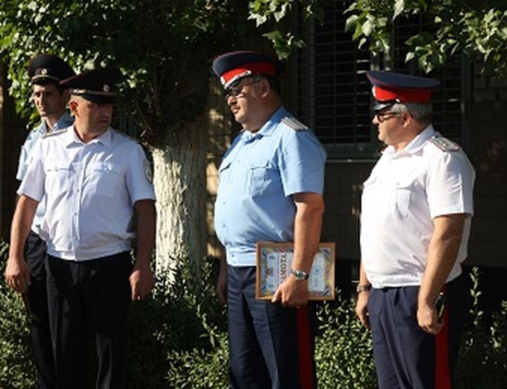 Волгоградских казаков-дружинников поблагодарили за несение службы