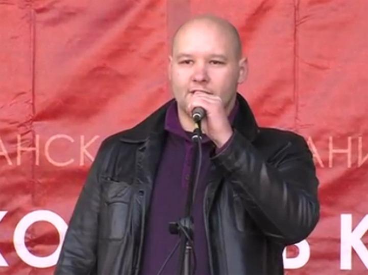 Националиста Константинова оставили под арестом несмотря на поручительство известных политиков