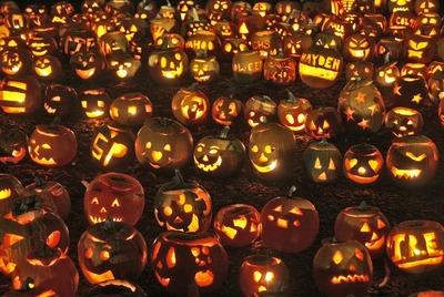 Милонов призвал одеть детей в национальные костюмы вместо празднования Хэллоуина